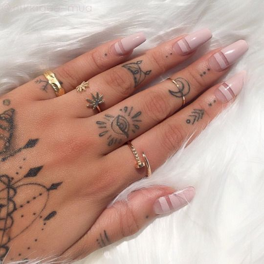 fingers-tattoo
